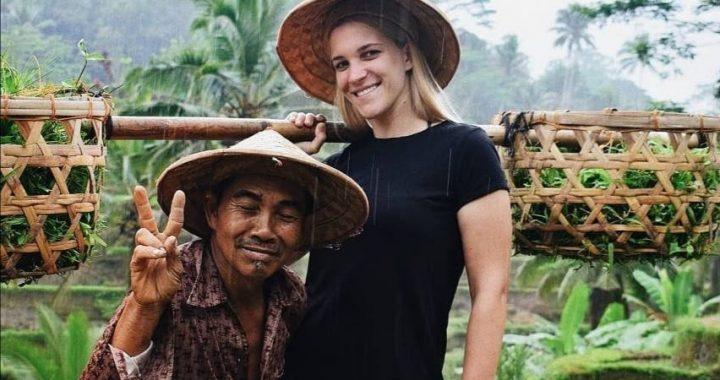 Šta povezuje Indoneziju i slikarstvo u životu talentovane Aleksandre iz Bijeljine