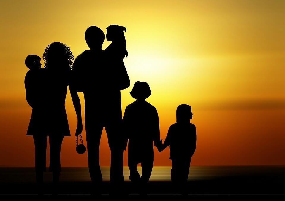 SVETSKI DAN PORODICE: Šta (ni)je porodična politika u Srbiji