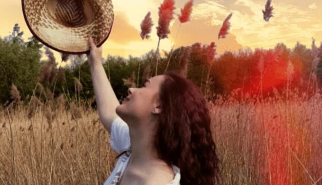 Ljubav je postala tabu tema – Emilija Dimitrovski, mlada pesnikinja