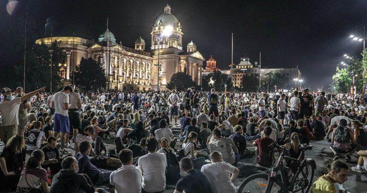Protest mora otežati rad sistema, povlačenje policije nije pobeda