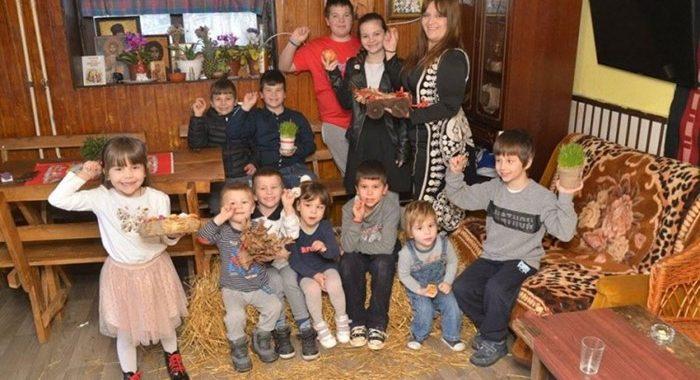 """Ovo je Maja Kovačević, samohrana majka """"11 Jugovića"""" – Pišem knjige i hranim svoju porodicu"""